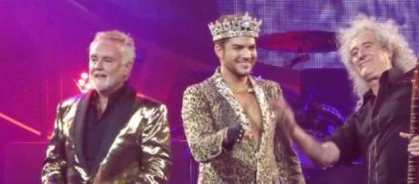 Adam Lambert junto a Roger Taylor y Brian May