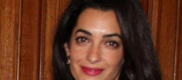 Damals trat Amal noch strahlend auf