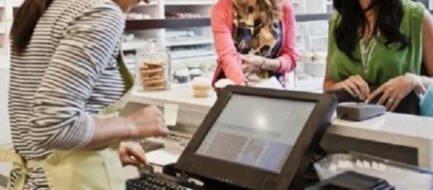 É obrigatório emitir fatura por cada compra