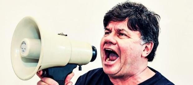 No SBT, ex-Casseta critica Globo e Marcelo Adnet