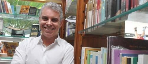El escritor argentino Julio Bevione
