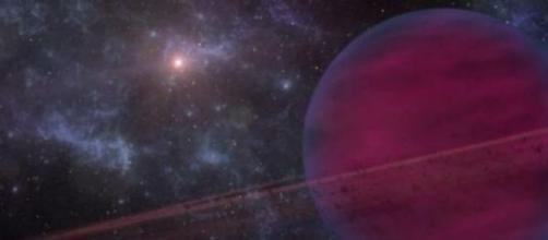 Es un exoplaneta de extrañas características