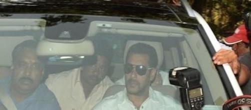 Salman Khan à son arrivée au tribunal à Bombay.