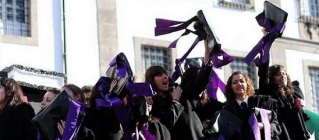 Cortejo sai às ruas de Coimbra na tarde do dia 10