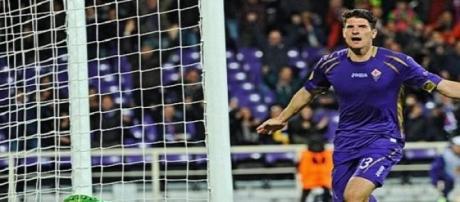 A Séville, Gomez veut marquer pour la Viola