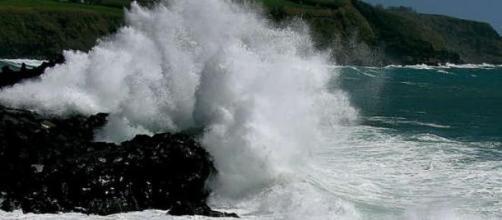 Mar dos Açores esteve perigoso esta quarta-feira.