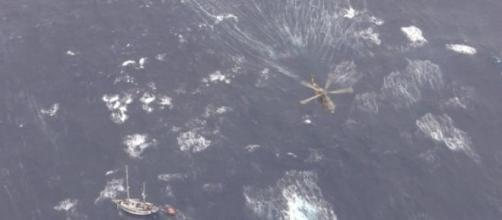 Os 14 tripulantes estão agora a salvo