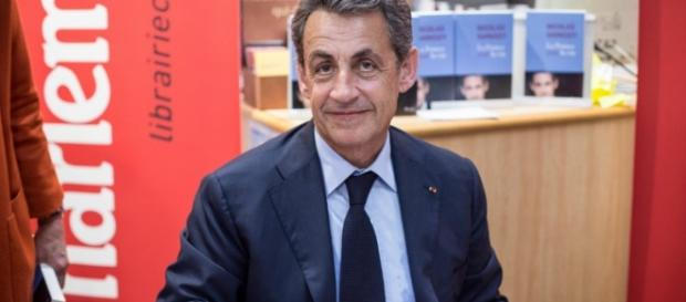 nicolas sarkozy - signature - opinion