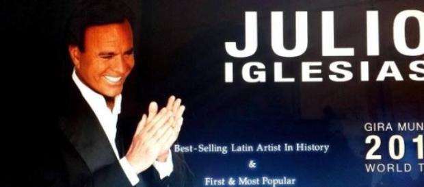 Site-ul oficial al cântăreţului Julio Iglesias