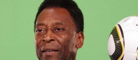 O ex-futebolista Pelé tem 74 anos.
