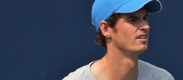 Murray through to last-eight in Madrid