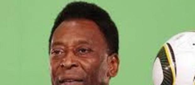 Pelé passa por nova cirurgia
