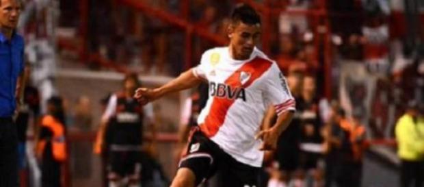 Pity Martínez, ante la  mirada de Arruabarrena