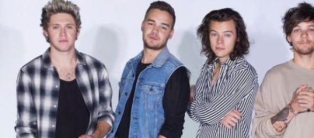 São agora quatro os One Direction