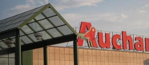 Auchan taglia i costi licenziando in tutta Italia