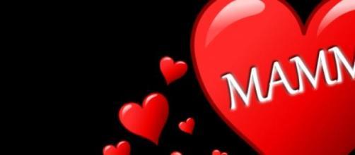 Auguri Festa della mamma: frasi romantiche