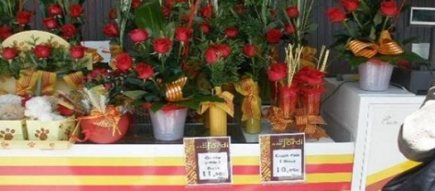 Bandera y cintas catalanas en Sant Jordi (Foto A.)
