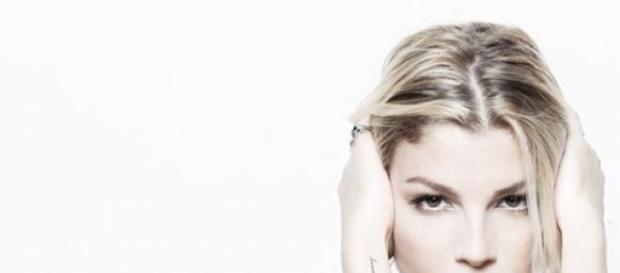 Emma Marrone litiga con i fan.