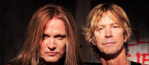 Duff y Bach se juntaron a tocar 'Patience' en L.A.