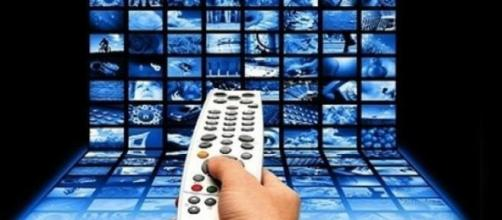 Programmi tv guida martedì 2 giugno 2015.