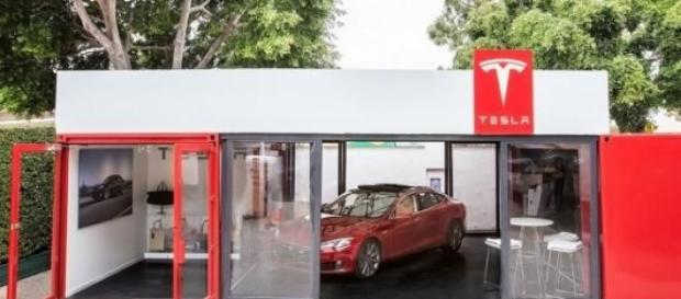 Concesionario Tesla portatil