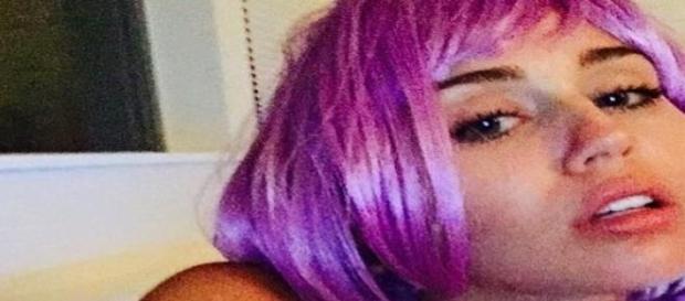 Ihr Ex Patrick ist bei Miley Cyrus unten durch!