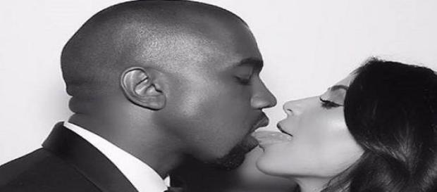 Ihr Mann Kanye West fing Kim Kardashian auf