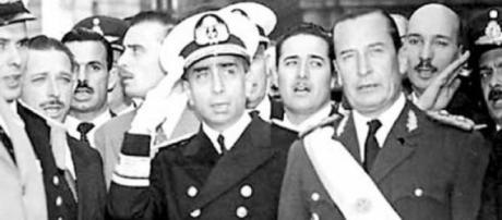 El general Pedro Aramburu en un acto militar