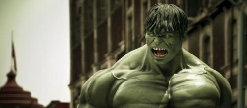 Personaje llamado Hulk, color verde