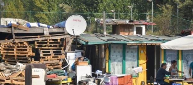 Campo rom dove viveva la ragazza picchiata