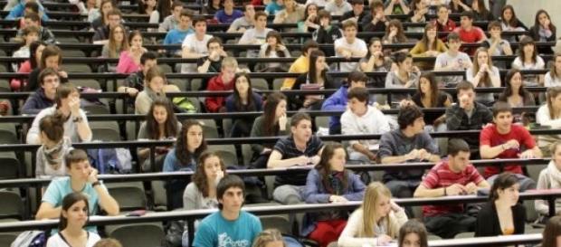 Las pruebas de selectividad convocan a jóvenes