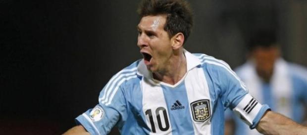 Lionel Messi ante un reto con Argentina