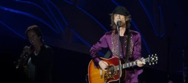 Stonesi zagrali dla fanów koncert-niespodziankę.