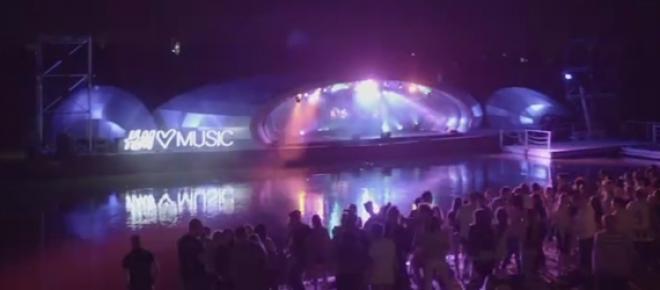 H&M Loves Music w Warszawie nad Wisłą - scena