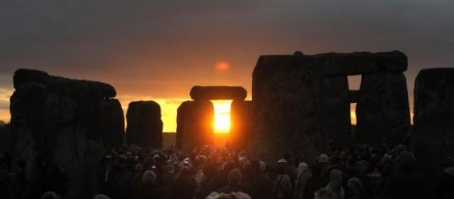 <del>simbologia e rituais nas noites de solstícios</del>
