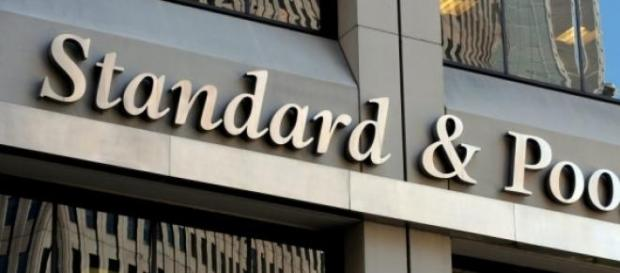Standard & Poor's declassa il rating greco
