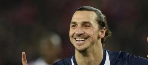 Ibra spegne l'entusiasmo dei tifosi rossoneri.