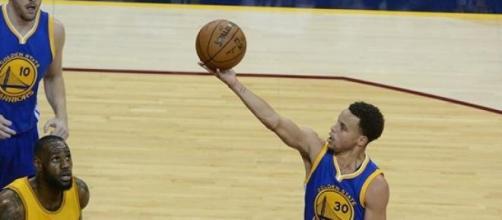 Warriors se mantiene invicto, tras hilar derrotas