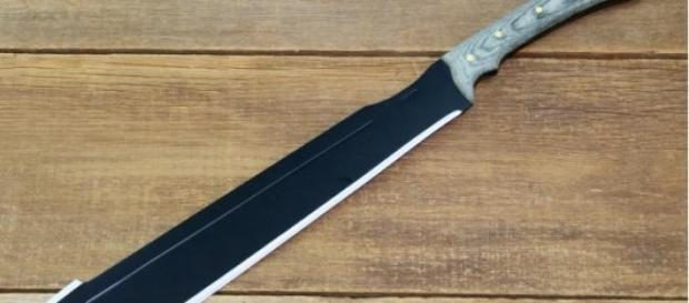 Capotreno aggredito con machete