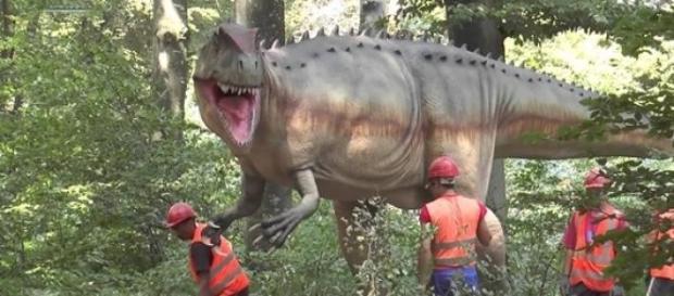 Cel mai mare parc de dinozauri