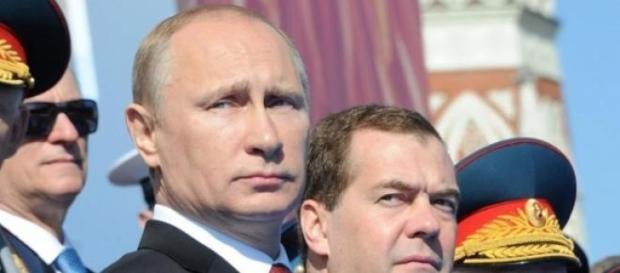 Czy Putin stara się coś ukryć?