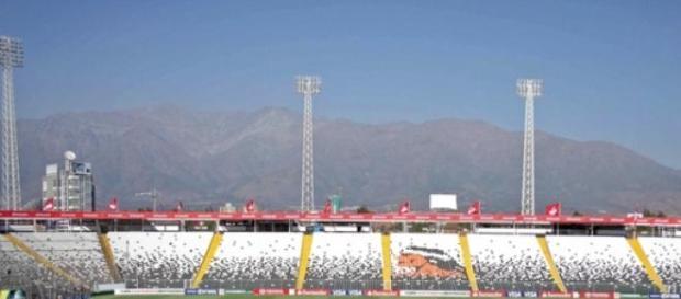 El famoso estadio Nacional de Santiago de gala