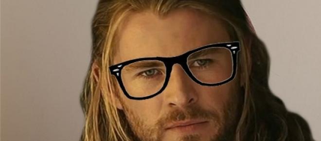 Chris Hemsworth, conocido como Thor en el Universo Cinematográfico de Marvel, obtuvo un papel en la nueva película de las Cazafantasmas como el recepcionista y secretario de las nuevas cazadoras de espectros.