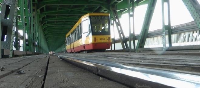 Most Gdański znów płonie. Motorniczy dostrzegł wydobywające się płomienie