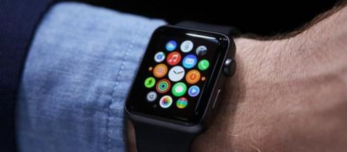 Apple Watch: uscirà in Italia, info e data