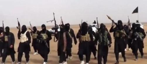 I jihadisti percepiscono stipendi e bonus