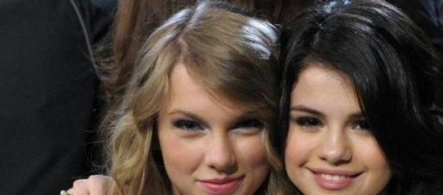 As duas cantoras são grandes amigas.