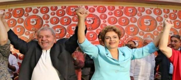 Lula, Dilma e o presidente do PT, Rui Falcão