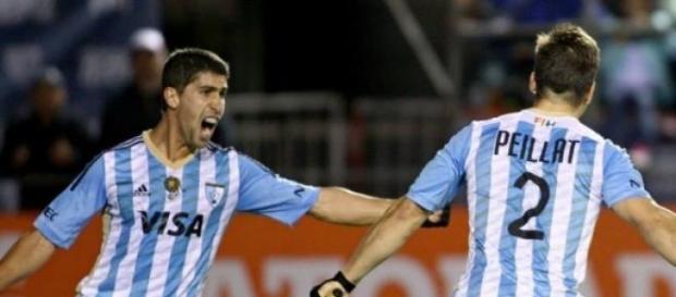 Pelliat festejando el primer gol del partido