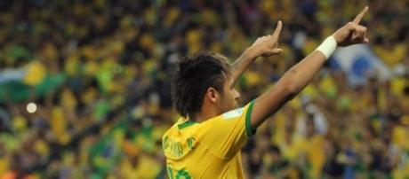 O Brasil de Neymar entra em ação hoje às 22h30